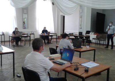 19 czerwca 2020 r. zajęcia kursu pracownika biurowego w Słonem . Uczestnicy - to członkowie zespołów Punktów Aktywizacji Społeczno - Zawodowej naszego powiatu.